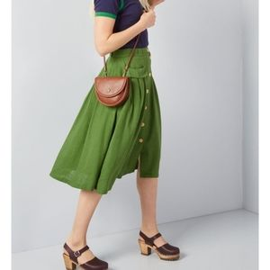NWT. Modcloth Green Button Front Skirt sz. 28